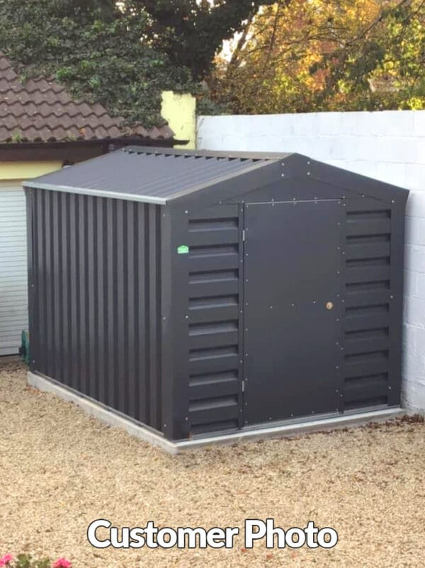 A customer photo of htie heavy duty shed in their back garden.