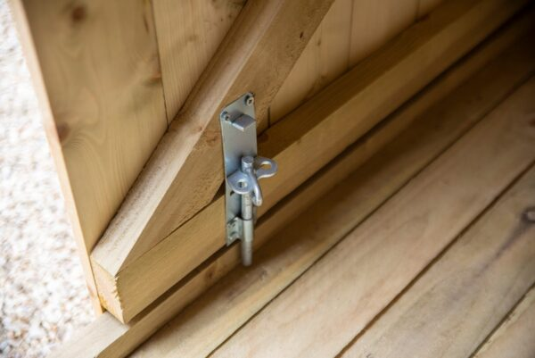 The internal lock on the bike shed