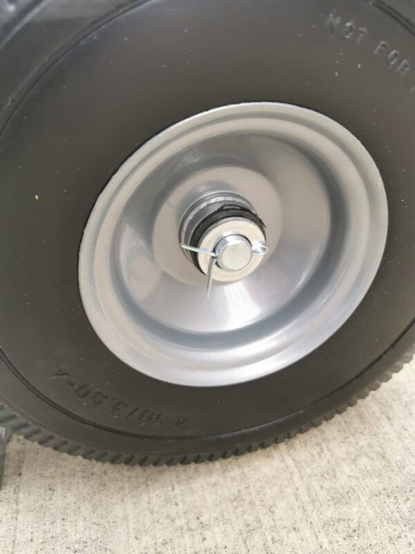 Wheel detail on the 3 in 1 trolley 2