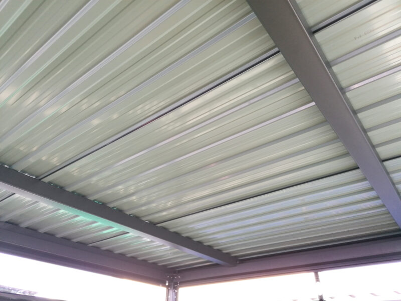 The double reinforced roof with two large, wide steel bars supporting it